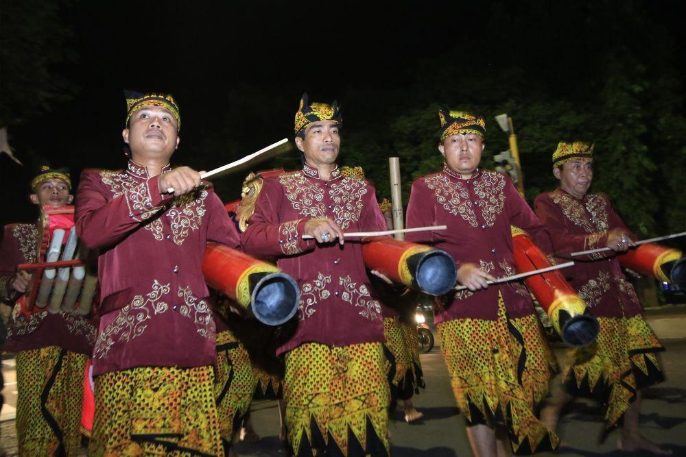 Tradisi Bagarakan Sahur