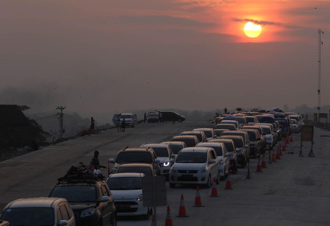 Ilustrasi lalu lintas mudik © Arya Mangala/Shutterstock