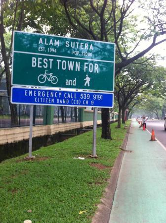 Jalur pesepeda Alam Sutera Tangerang