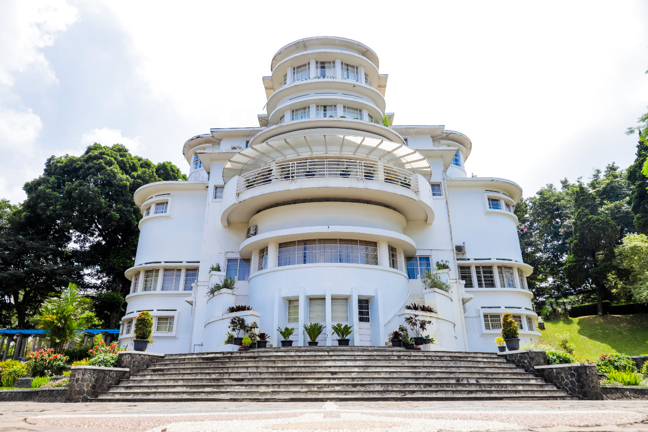 Gedung Isola Universitas Pendidikan Indonesia (UPI) © Akhmad Dodi Firmansyah/Shutterstock