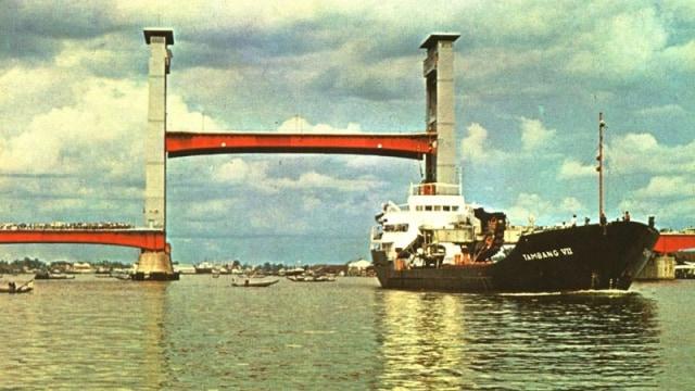 Potret Jembatan Ampera tempo dulu | Foto: Flickr/Ferdian Musliansyah