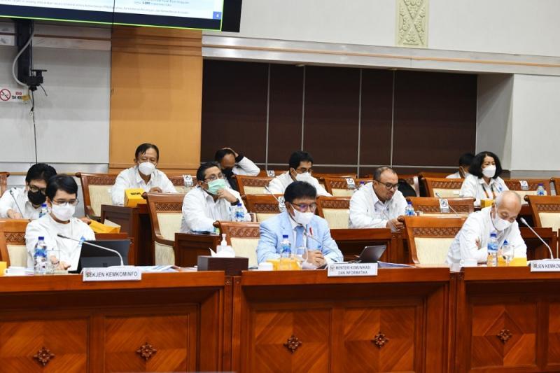 Rapat kerja Kemkominfo dan DPR untuk rencana pembangunan infrastruktur digital