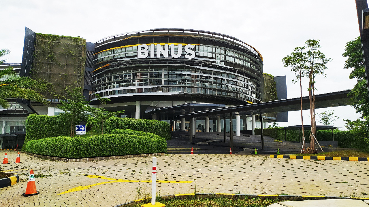Kampus Binus Bekasi © Roy RN/Shutterstock
