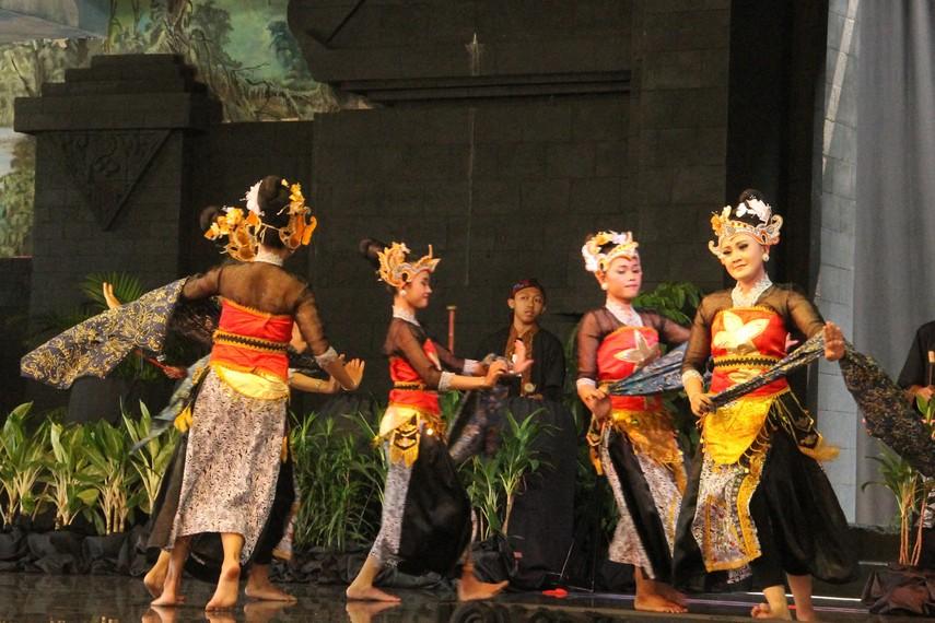 Tari Batik Pace   Foto: Indonesia Kaya