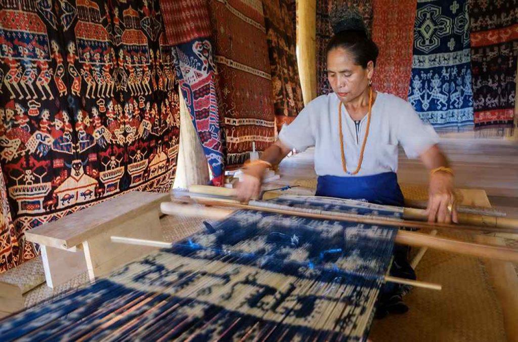 Sumba Ikat Weaving| Foto: Authentic Indonesia