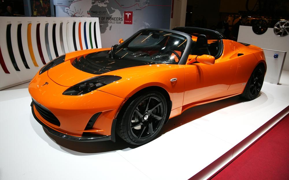 mobil listrik Tesla Roadster