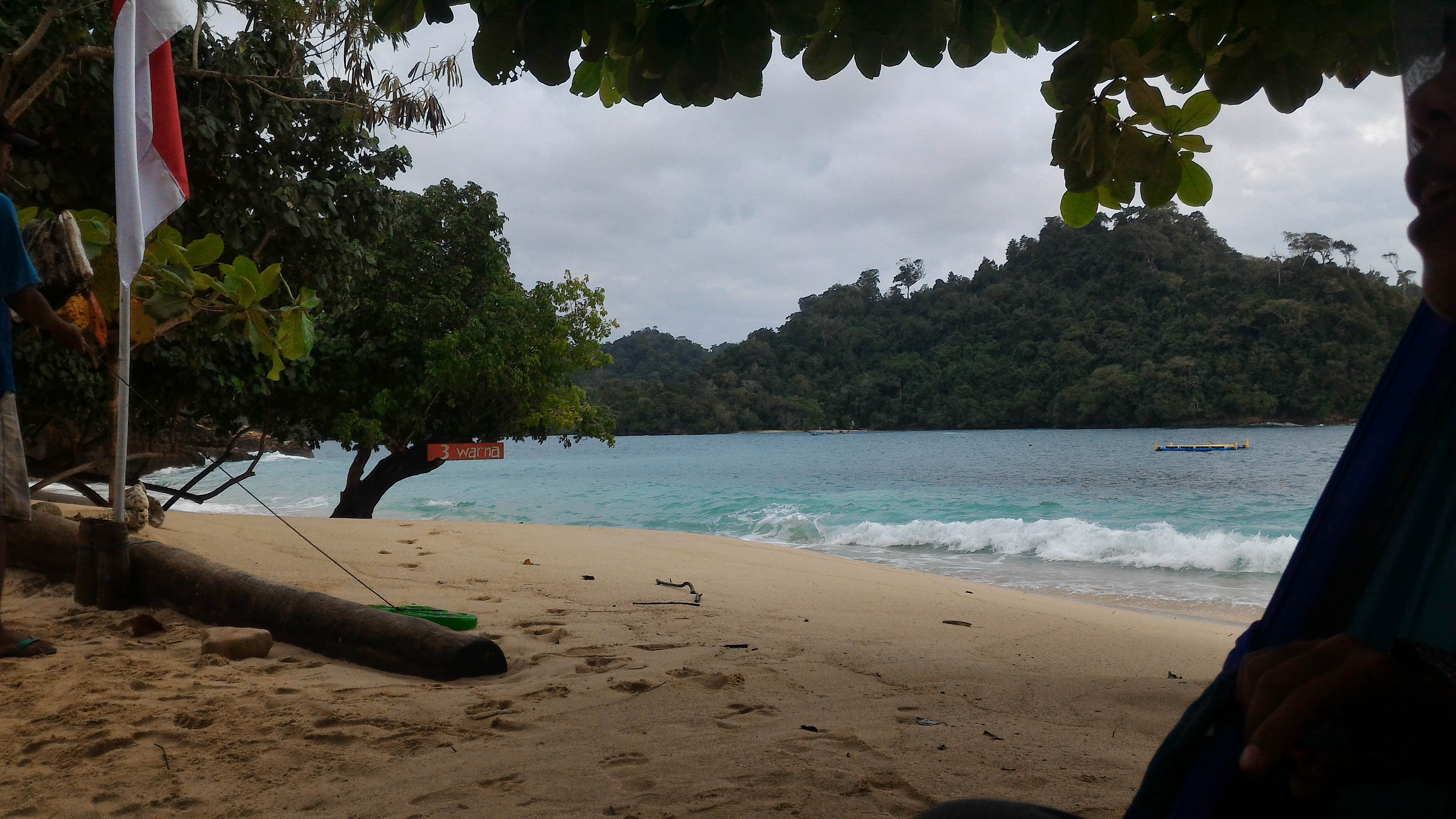 Pantai Tiga Warna | Foto: Dokumentasi Pribadi