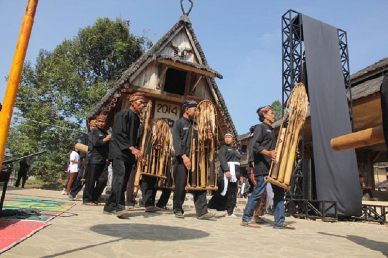 Pertunjukan Angklung Buhun | Foto: MerahPutih