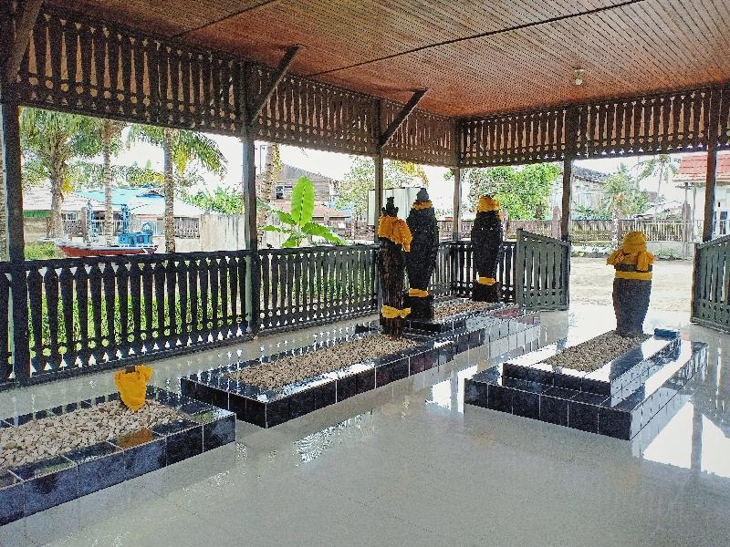 Area makam Lamohang Daeng Mangkona dan keluarga