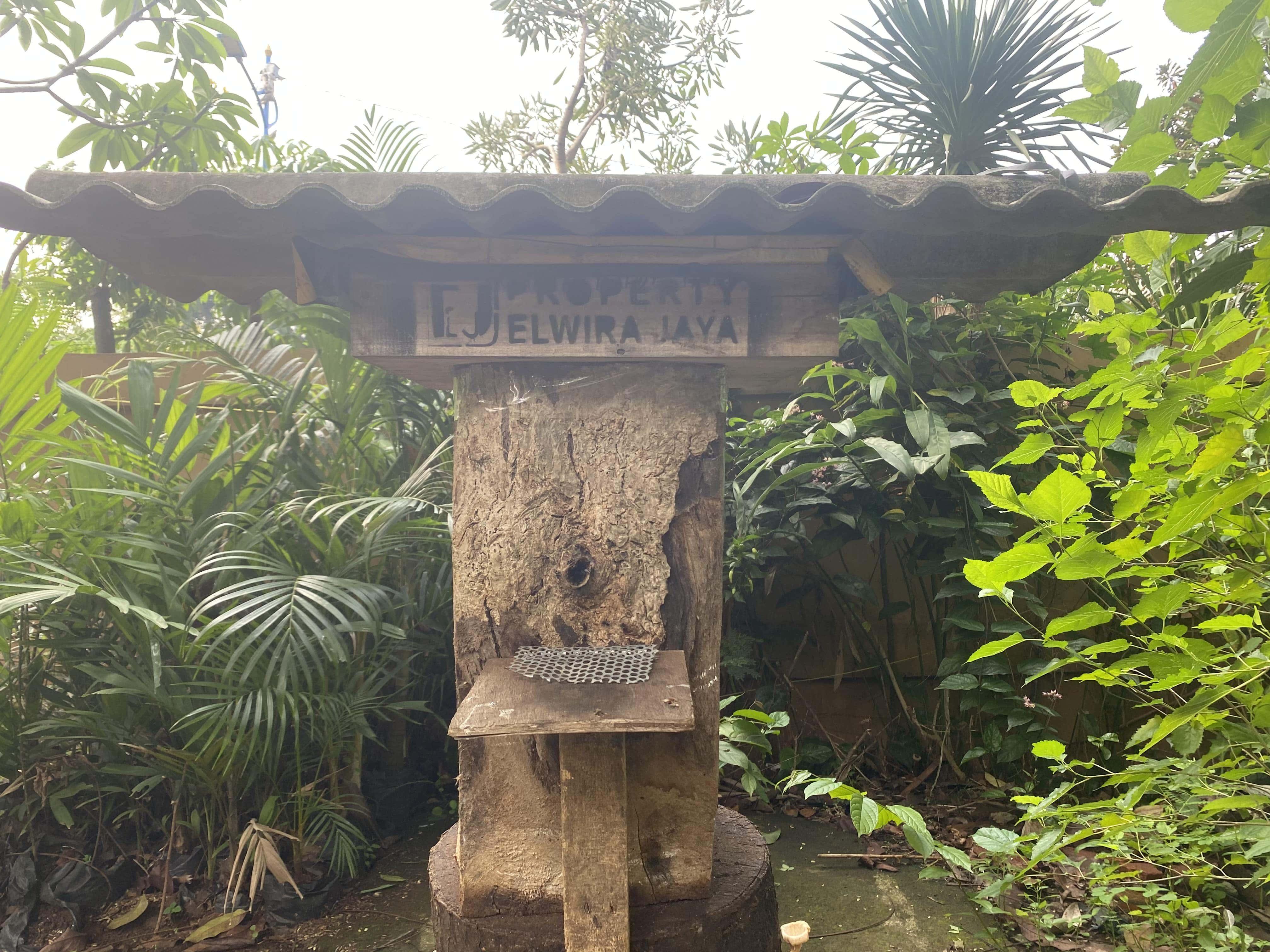 Penempatan koloni lebah klanceng   Foto : Dokumentasi Pribadi