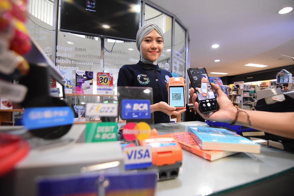 transaksi keuangan yang mengandalkan fintech di Indonesia