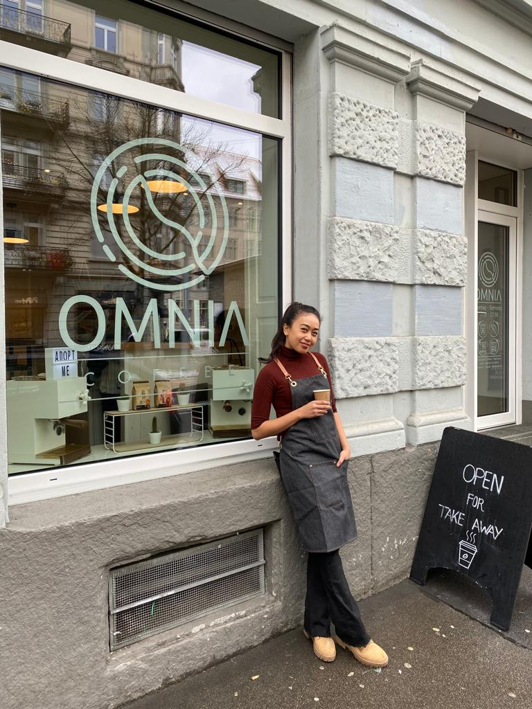 Alista, owner Omnia Coffee di Zurich