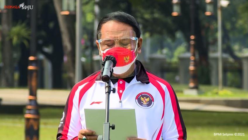 Zainudin Amali saat melaporkan persiapan Olimpiade Tokyo kontingen Indonesia di Istana Merdeka
