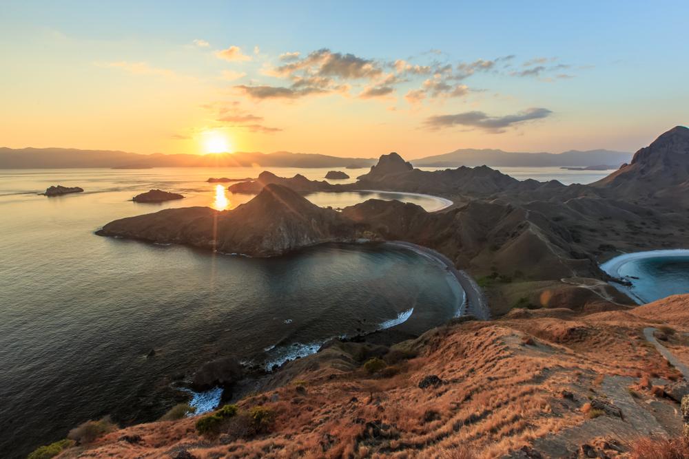 Pulau Padar | @Yusnizam Yusof Shutterstock