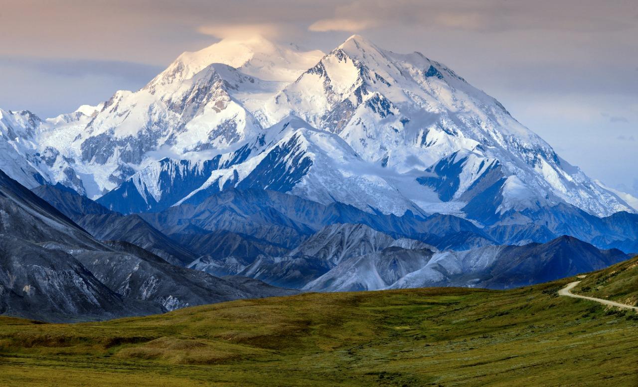 Puncak Denali   Steve Allen/Shutterstock