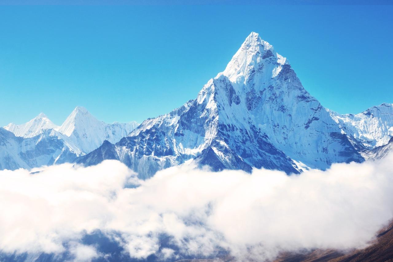 Puncak Everest   Vixit/Shutterstock