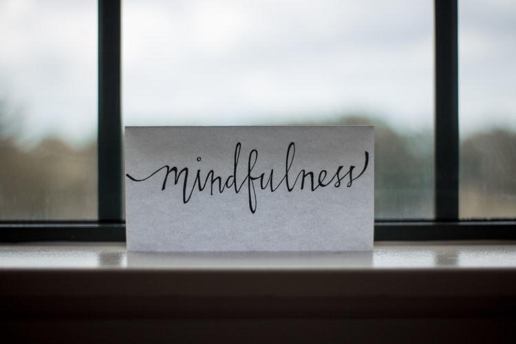 Mindfulness | Foto: unsplash/Lesly Juarez