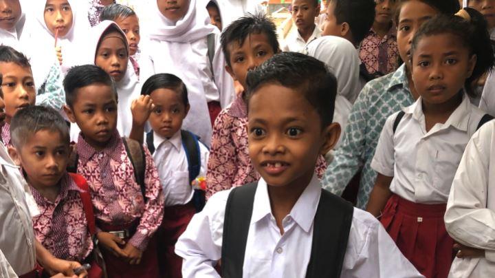 Soalihin, salah satu anak yang mendapatkan kehidupan layak berkat Carlos