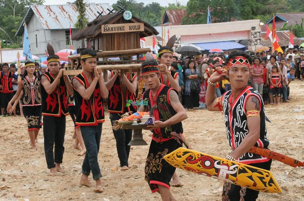 Ritual Naik Dango | Foto: PeladangKata