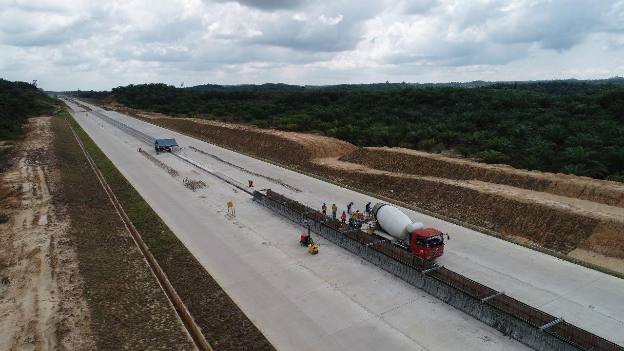Proses pembangunan tol Balikpapan-Samarinda