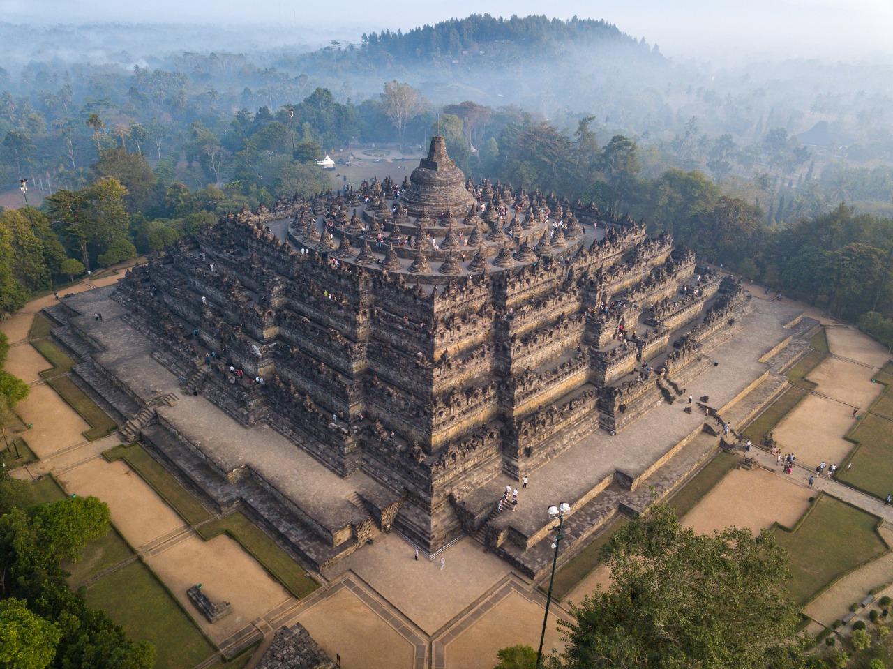 Pemandangan Candi Borobudur | Shutterstock/Adel Newman