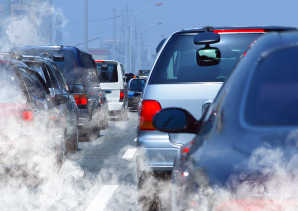 Ilustrasi polusi dari emisi karbon kendaraan