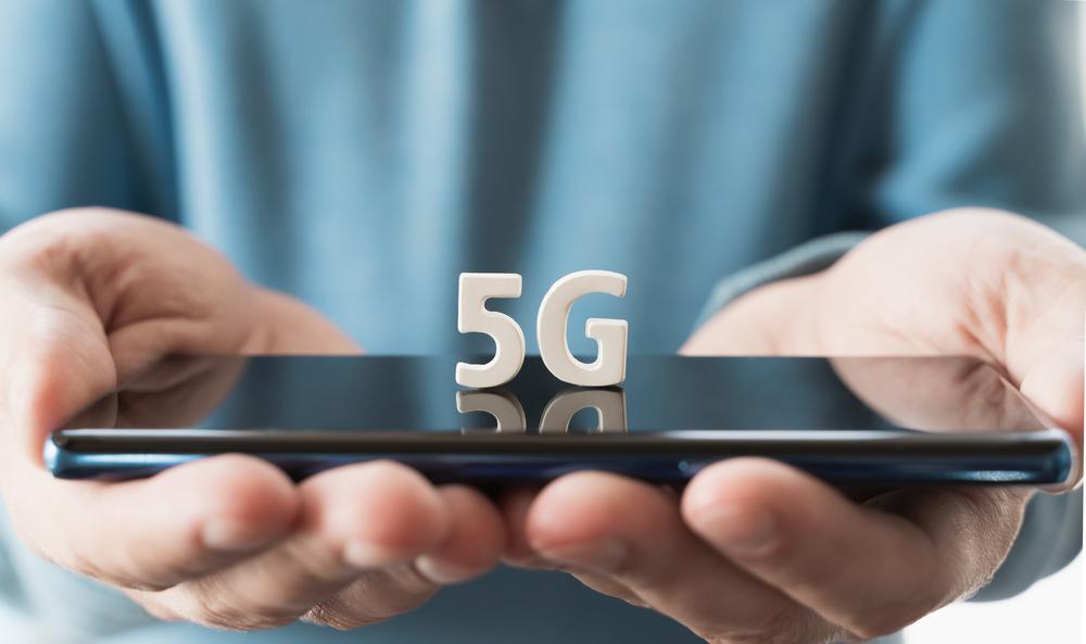 Ilustrasi ponsel 5G