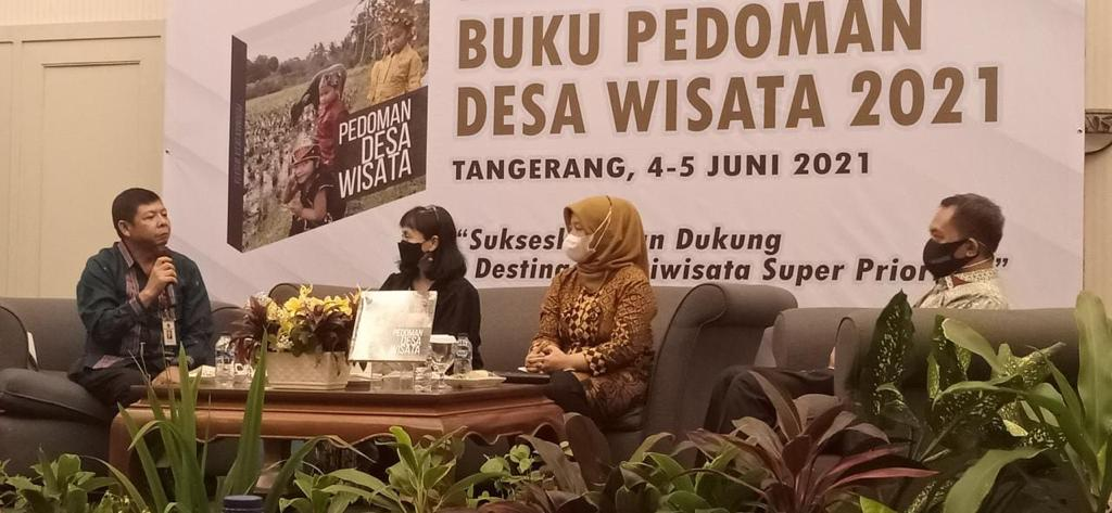Acara peluncuran Buku Pedoman Desa Wisata yang dilakukan secara virtual. | Foto : Kemenko PMK