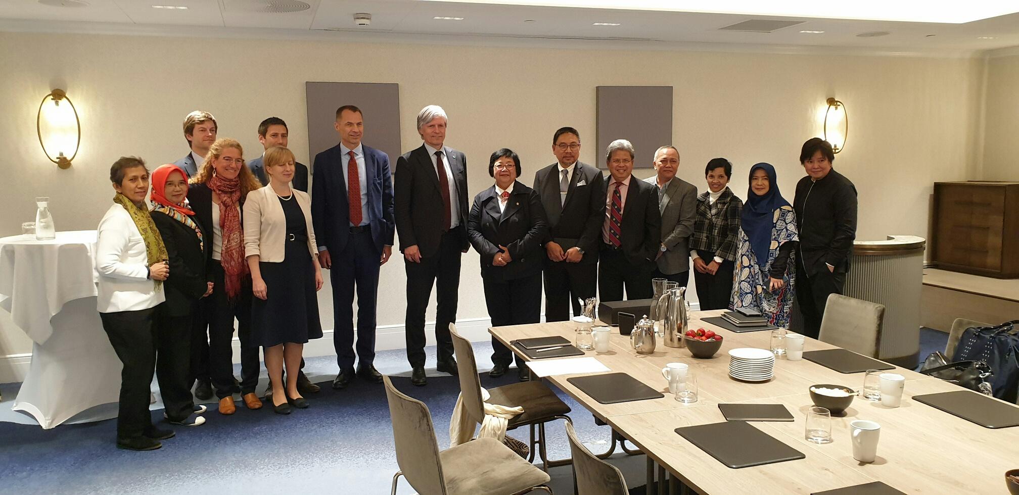 Pembahasan program REDD+ yang berlangsung pada tahun 2019 antara Indonesia dan Norwegia