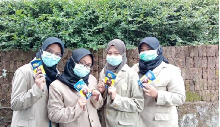 Empat mahasiswi yang mengembangkan permen anti diabetes