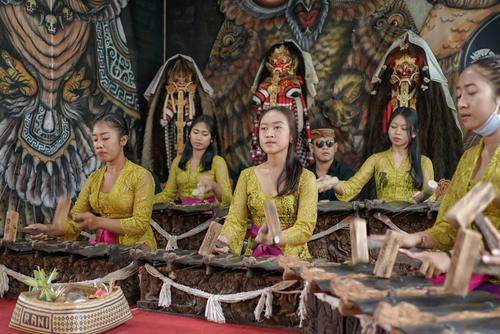 Pemusik gamelan dari Bali