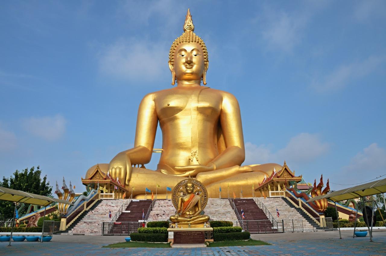 Great Budha | Ratchanok/Shutterstock