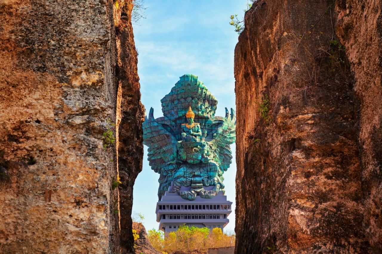 Garuda Wisnu Kencana | Oman K/Shutterstock