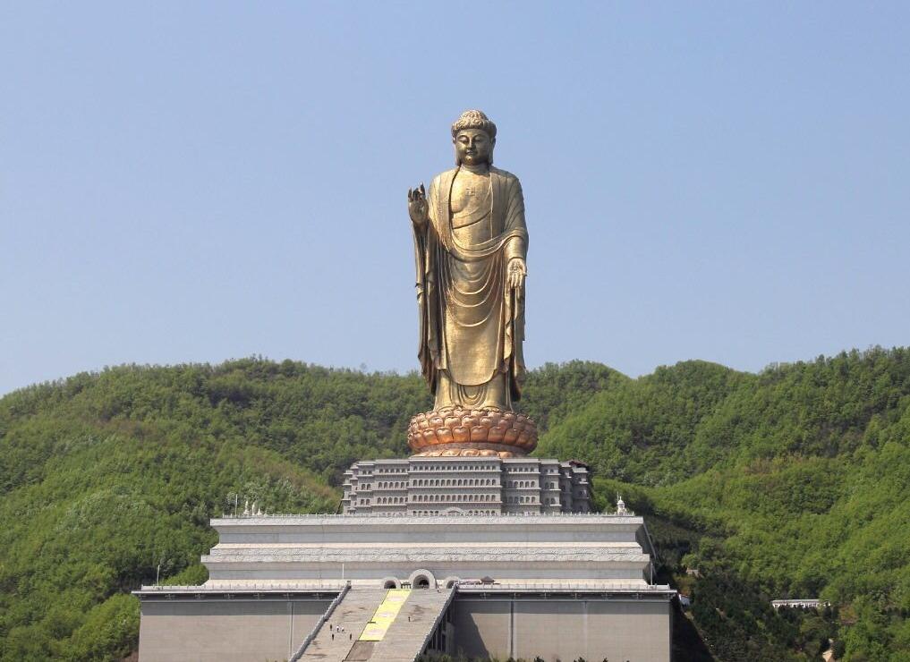 Spring Temple Budha | Chen J/Shutterstock