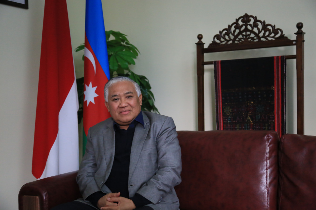 Bhinneka Tunggal Ika di Azerbaijan