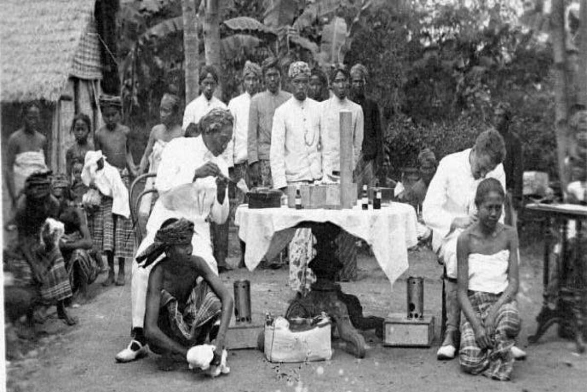 Pageblug Jawa 1910-1926, dr. Cipto Mangunkusumo, dan Covid19