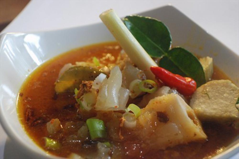 10 Makanan Khas Indonesia yang Paling Nikmat Dimakan Langsung di Tempatnya