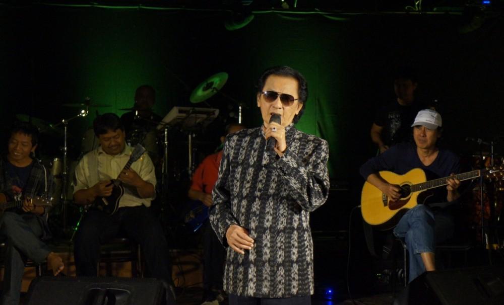 "Biografi : Mus Mulyadi, ""The King of Keroncong"" dari Surabaya"