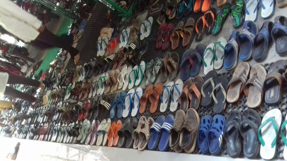 Parkir Sandal