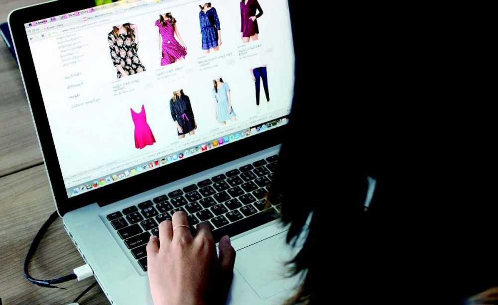 Orang Indonesia Belanja Online via Komputer Desktop