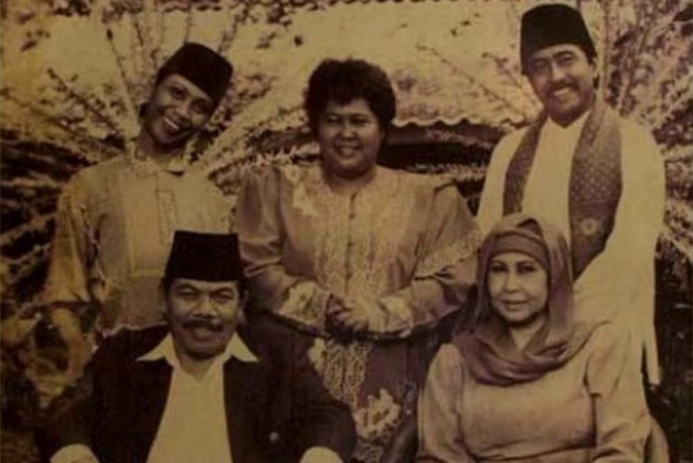 """""""Cakep""""nya Tradisi Pantun Betawi"""