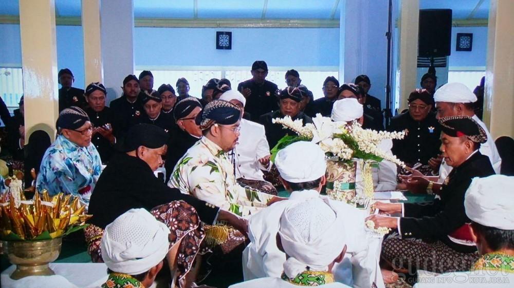 Menengok Busana Pernikahan Ala Kerajaan di Pernikahan Putra Mahkota Paku Alam