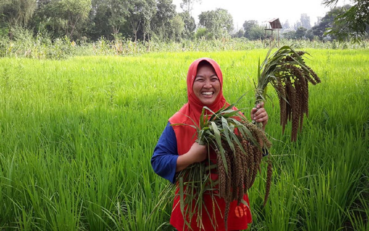 Bantu Kemandirian Petani, Seorang Perempuan di Garut Dirikan Pesantren Ekologi