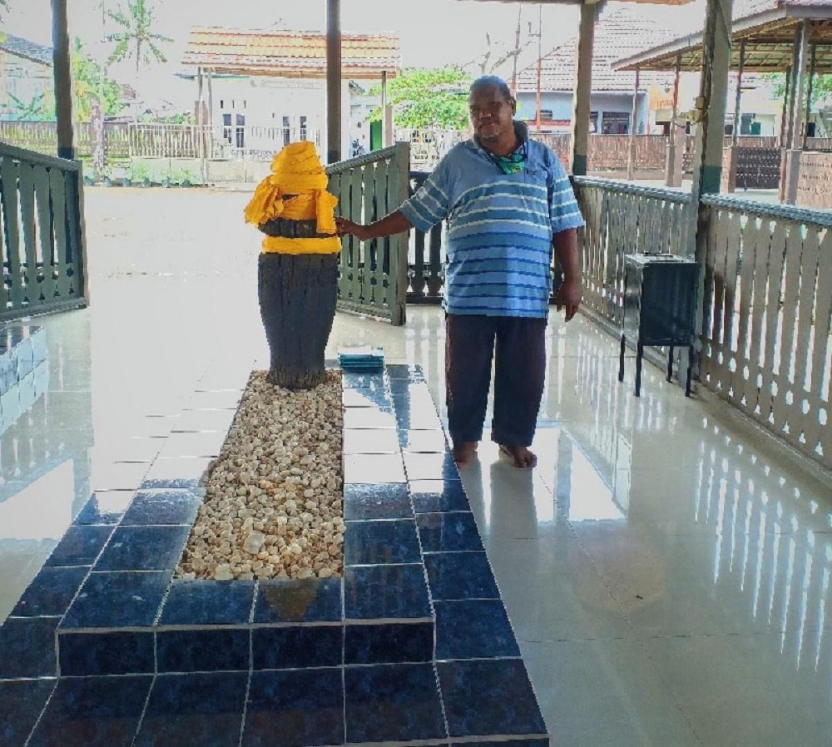 Mengenal Abdillah, Penjaga Makam Pendiri Kota Samarinda sekaligus Pahlawan Kemanusiaan