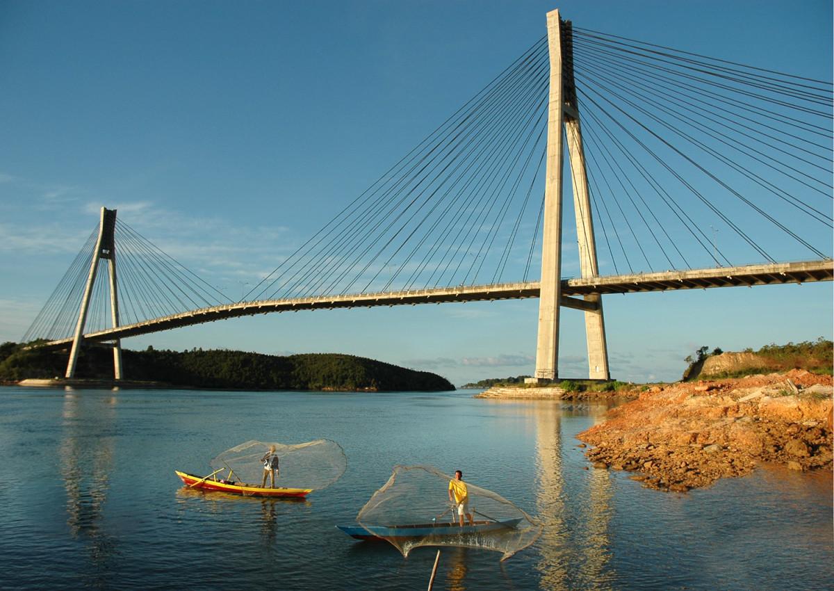 Menjadi Landmark Daerah, Inilah 3 Jembatan Kabel Pancang di Indonesia