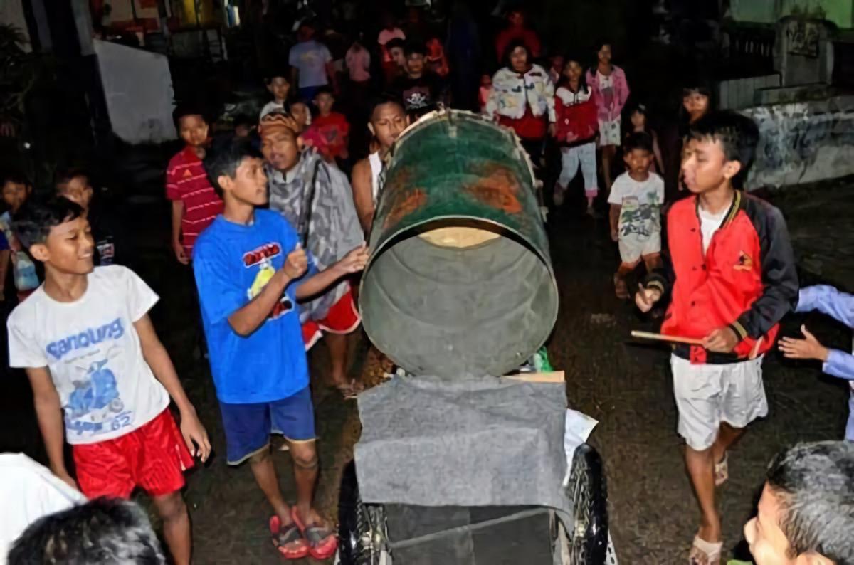Unik! Berikut 5 Tradisi Bangunkan Sahur Masyarakat Indonesia