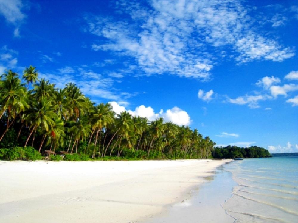 365Indonesia Day 10 - Ngurbloat Beach, Maluku
