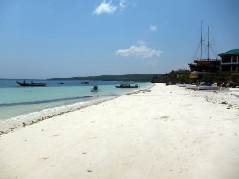365Indonesia Day 21 - Beach with Sand as fine as Flour, Bira  Beach, Makassar, South Sulawesi