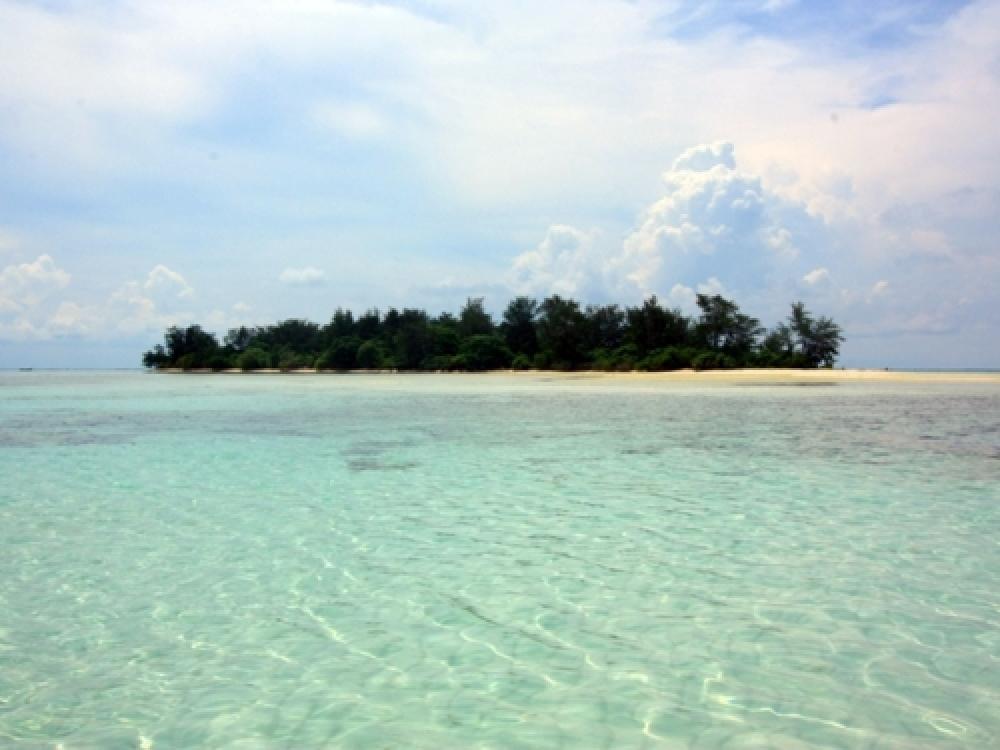 365Indonesia Day 7 - Cemara Besar Island, Karimun Java