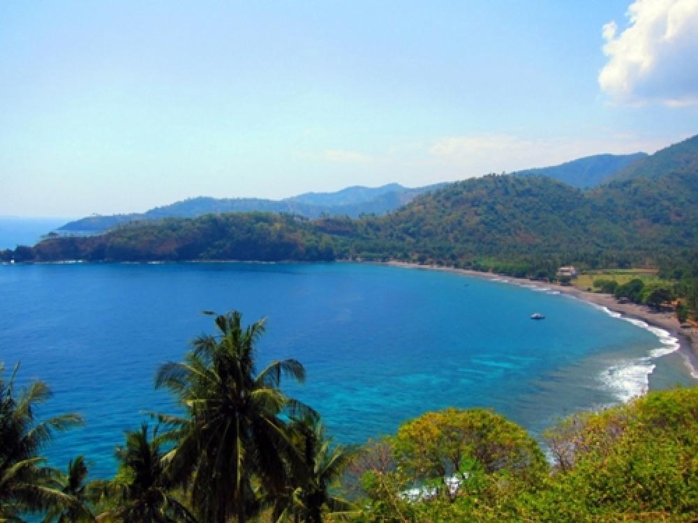 365Indonesia Hari 22: Pantai Senggigi, Nusa Tenggara Barat, Idola Baru Bagi Turis Asing
